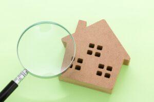虫眼鏡と家