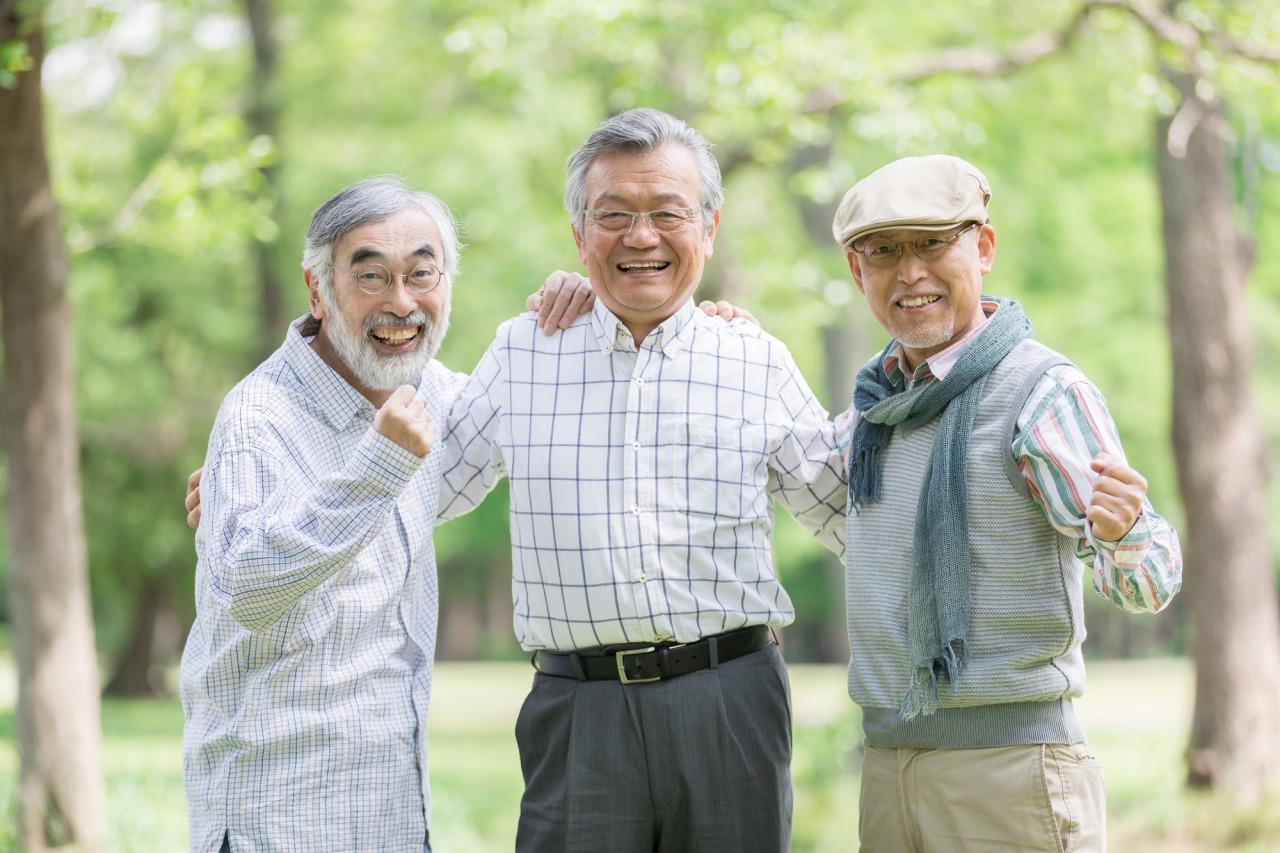 老人 3人